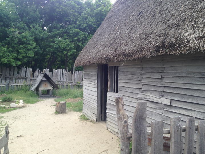 Plimoth-typical-house